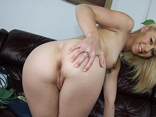 Melanie jayne in blacks on blondes